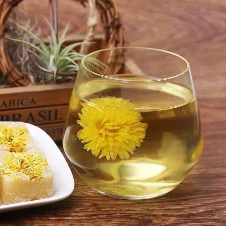 trà hoa cúc đường phèn mật ong